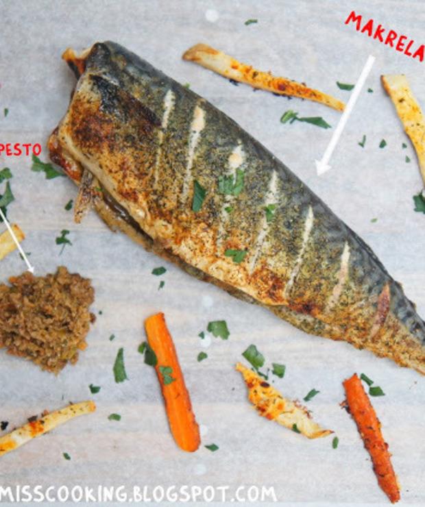 Pieczona makrela z frytkami (seler i marchewka)  - Makrela