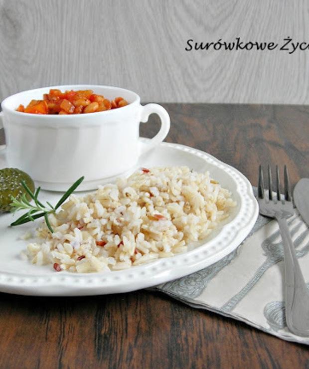 Potrawka wegetariańska z soją w sosie pomidorowym. Dietetyczny obiad. - Warzywa
