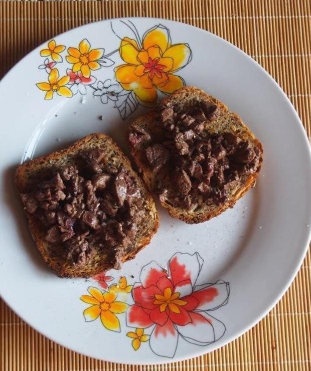 Crostini z wątróbką - Kanapki i tosty