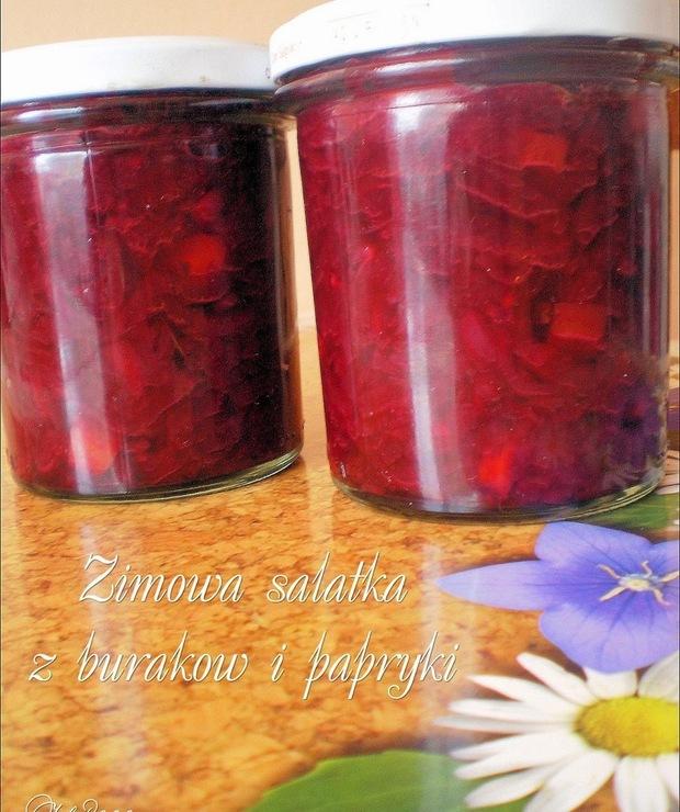 Zimowa sałatka z buraków ćwikłowych i papryki - Warzywne