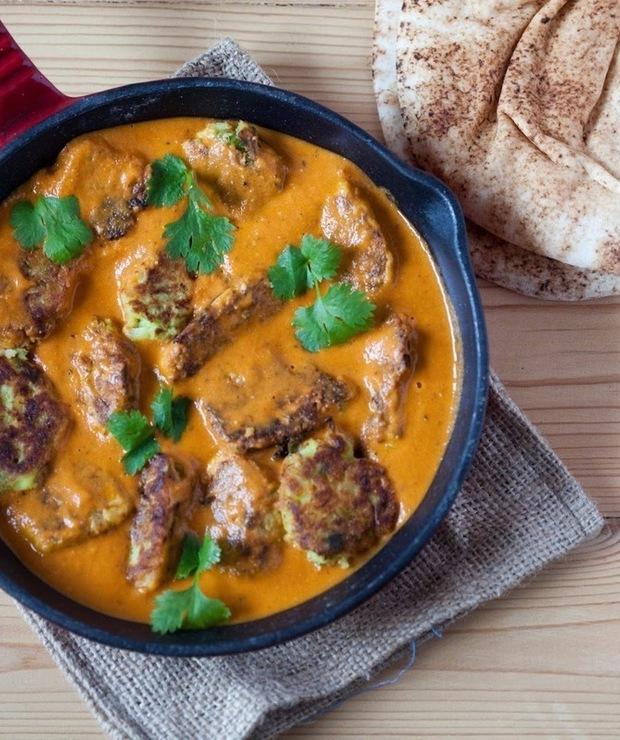Pulpety z cukinii i ziemniaków w pomidorowo-kokosowym sosie curry - Warzywa