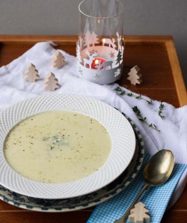 Zupa kalafiorowa z serem pleśniowym - Kremy