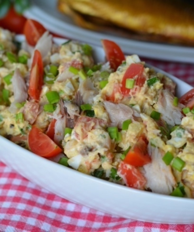 Sałatka z wędzoną makrelą - Jarskie