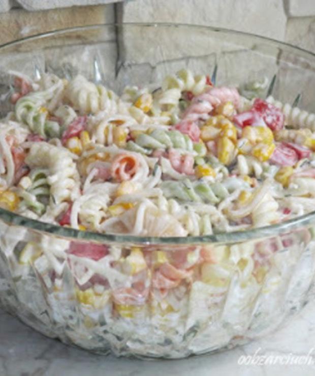 Warzywna sałatka z makaronem - Jarskie