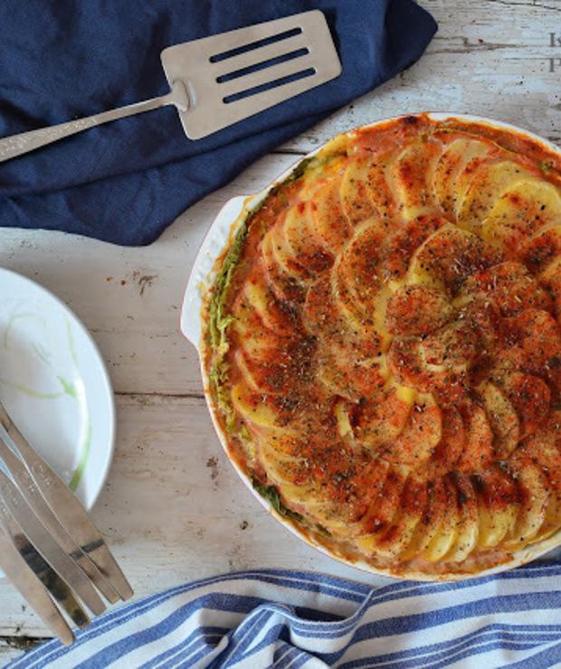 Zapiekanka ziemniaczano-pomidorowa z kapustą - Warzywa