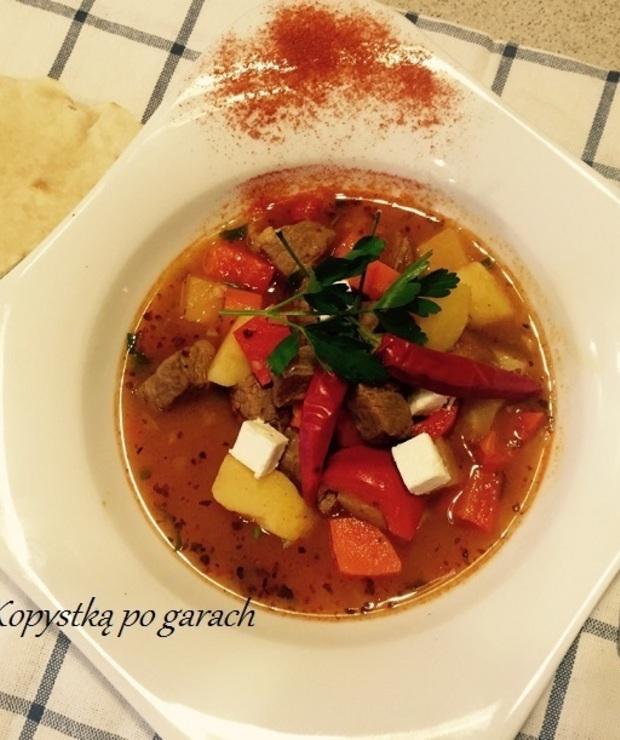 Węgierska zupa gulaszowa (potocznie zwana -bogracz) - Potrawy