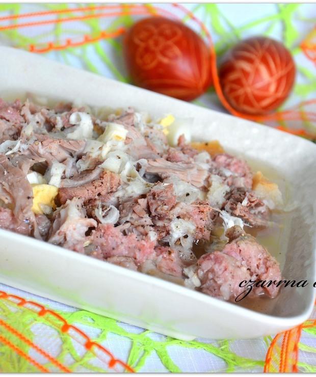 Barszcz wielkanocny na zakwasie - Z mięsem