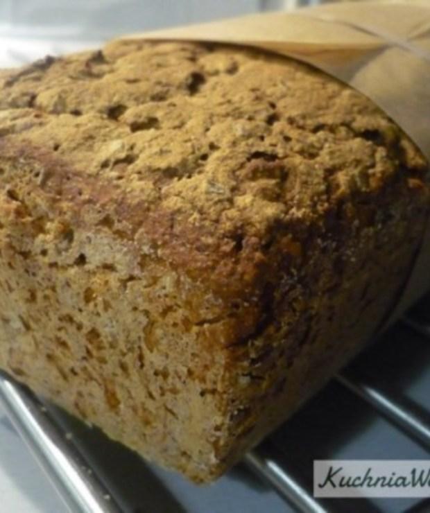 Chleb wieloziarnisty zotrębami - Chleby