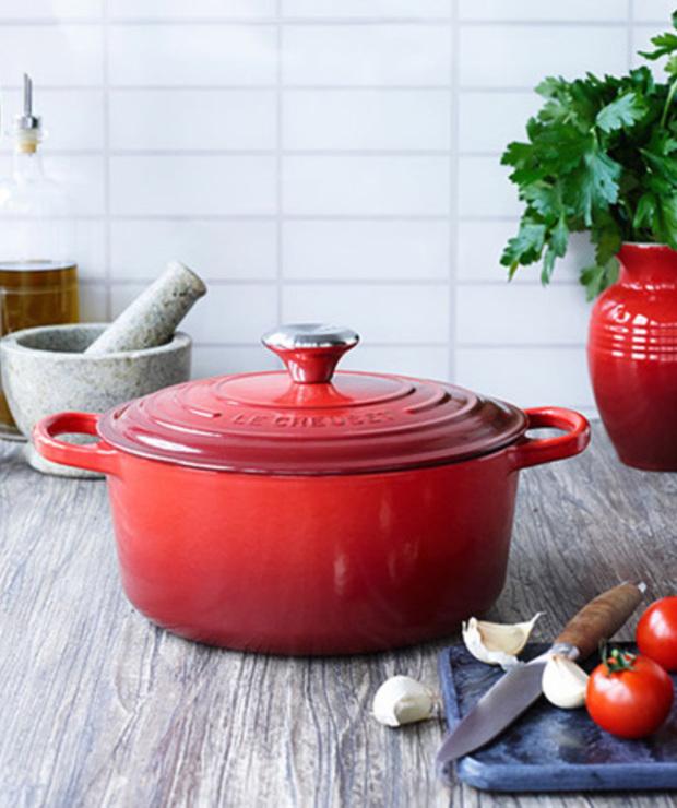 Naczynia żeliwne – jak gotować w garnkach żeliwnych i jak o nie dbać - Produkty