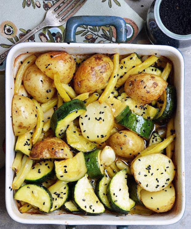 Pieczone warzywa z czarnuszką i czosnkiem - Warzywa