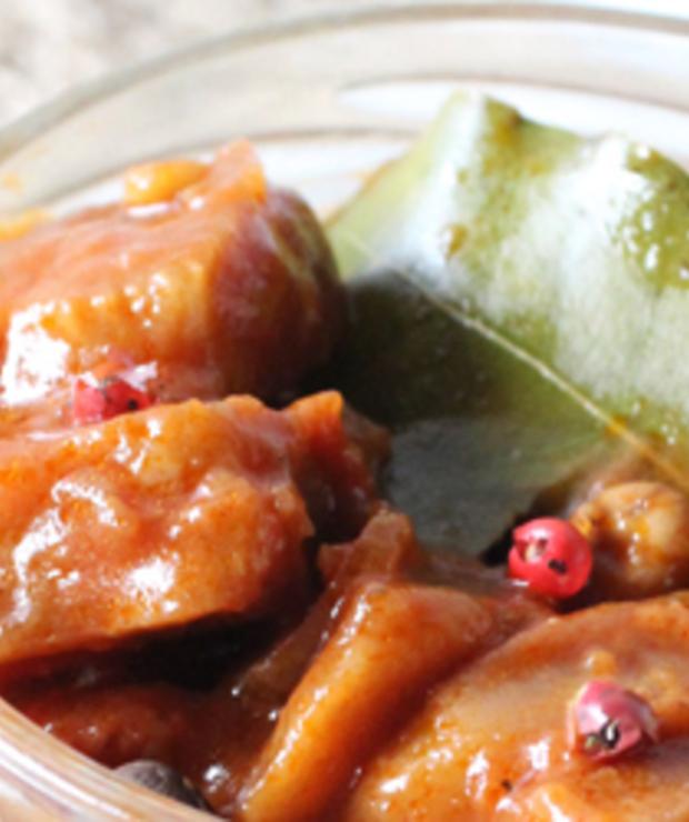 Wegańskie 'śledzie' z selera w sosie pomidorowym - Na zimno