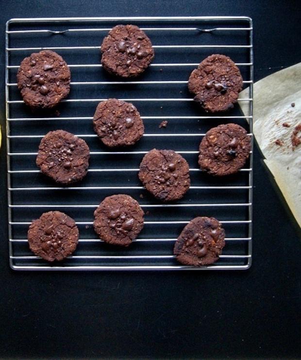 Czekoladowe ciasteczka z czerwonej  fasoli  - Desery i ciasta