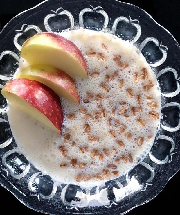 Płatki orkiszowe z jabłkiem - Musli i podobne