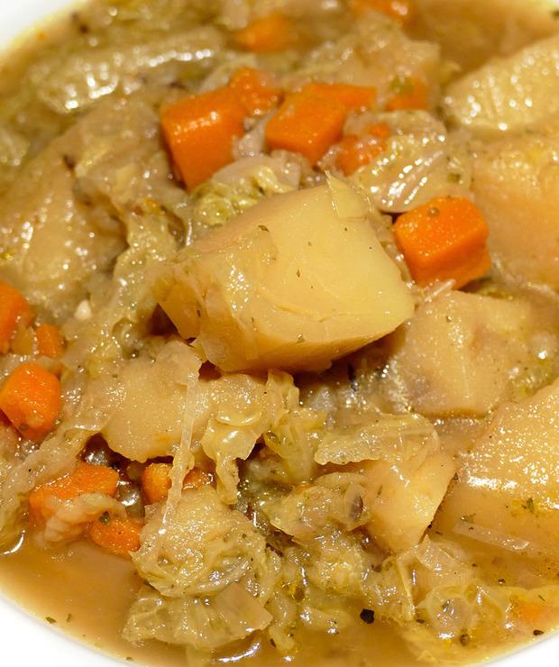 Wegański kapuśniak ze świeżej kapusty - Warzywa