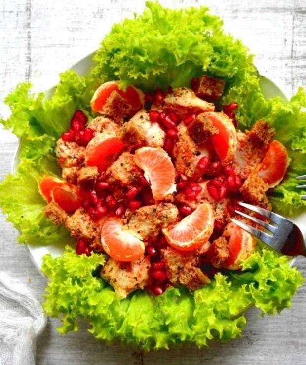 Najsmaczniejsze sałatki z kurczakiem w stylu fit – 7 przepisów - Mięsne