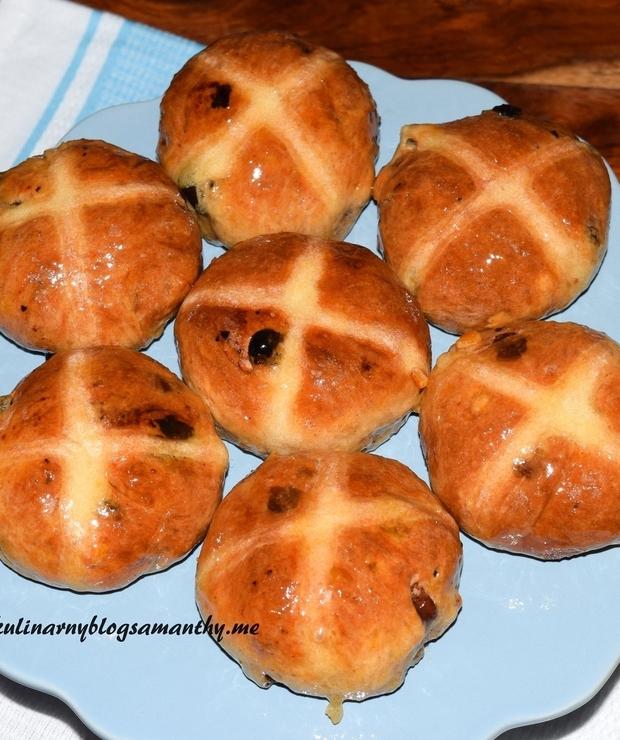 Bułeczki z krzyżem - Bułki