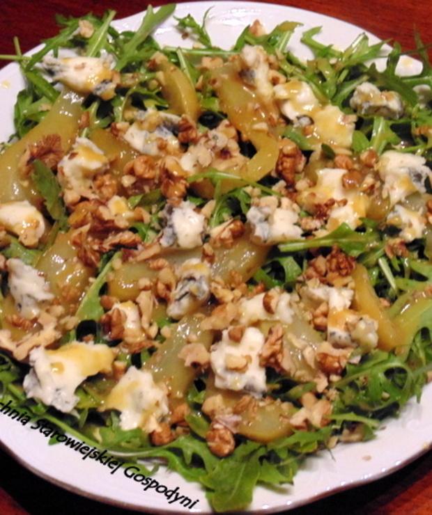 Sałatka z rukolą, karmelizowaną gruszką i gorgonzolą - Jarskie