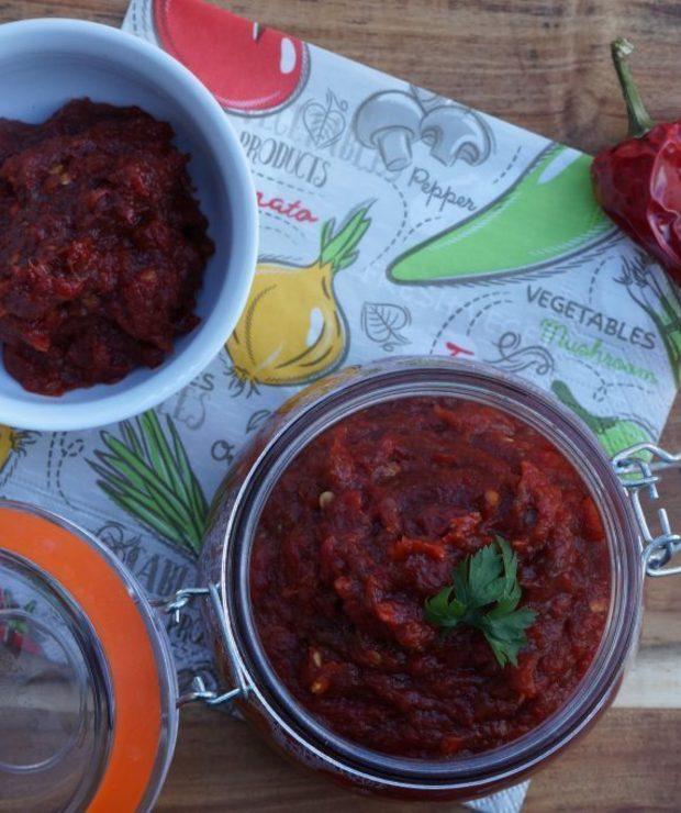 Ajvar, czyli gęsta pasta z pieczonej papryki i bakłażanów - Warzywne