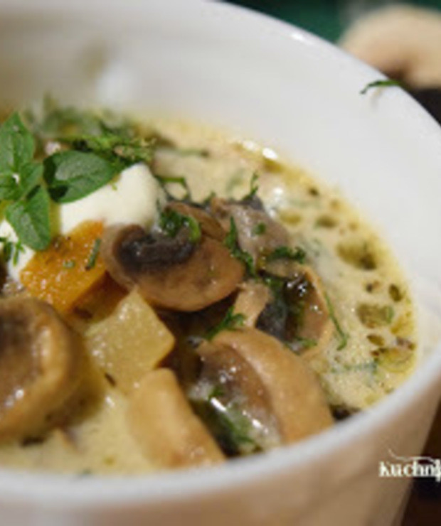 Najprostsza zupa pieczarkowa - Z warzywami
