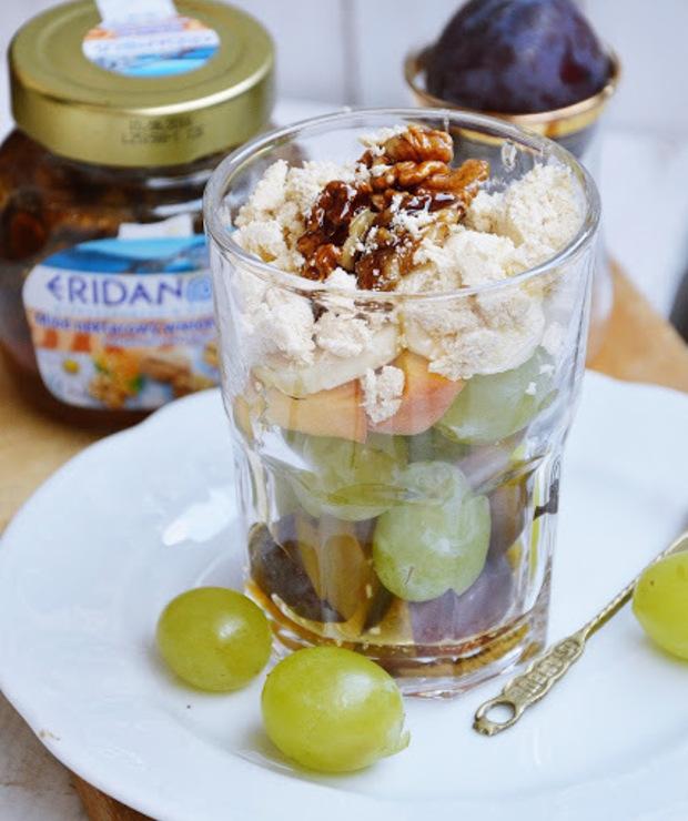 Owoce z waniliową chałwą i orzechami w miodzie - Inne