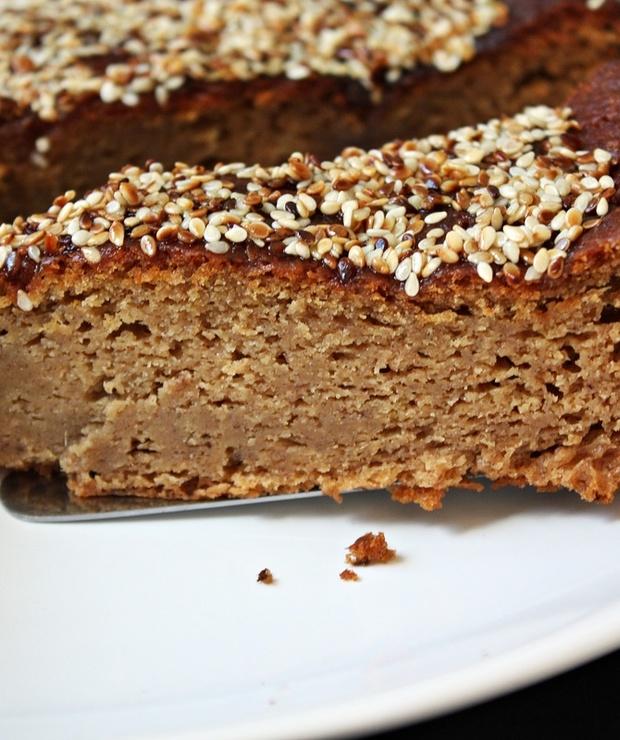 Ciasto waniliowe  z sezamową skorupką - Ucierane