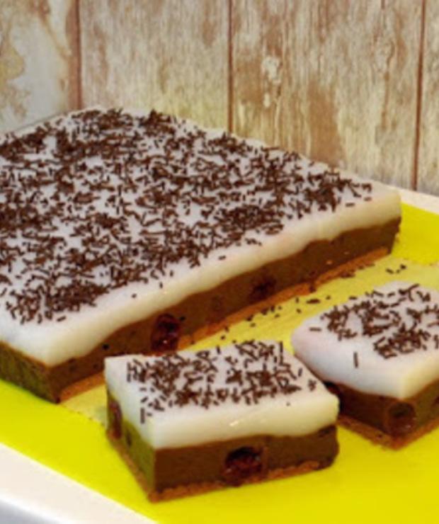 Budyniowiec czekoladowy z pinacoladą - Bez pieczenia