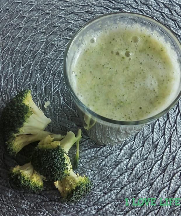 Koktajl z surowego brokuła - Zimne
