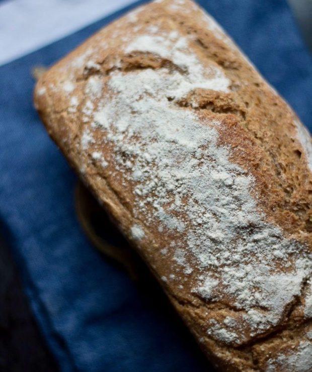 Chleb razowy na zakwasie - Chleby