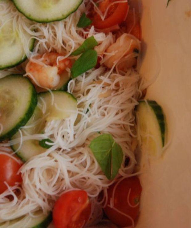Sałatka tajska z krewetkami - Jarskie