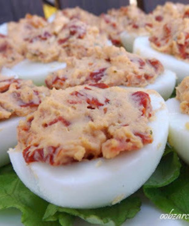 Jajka z suszonymi pomidorami - Na zimno