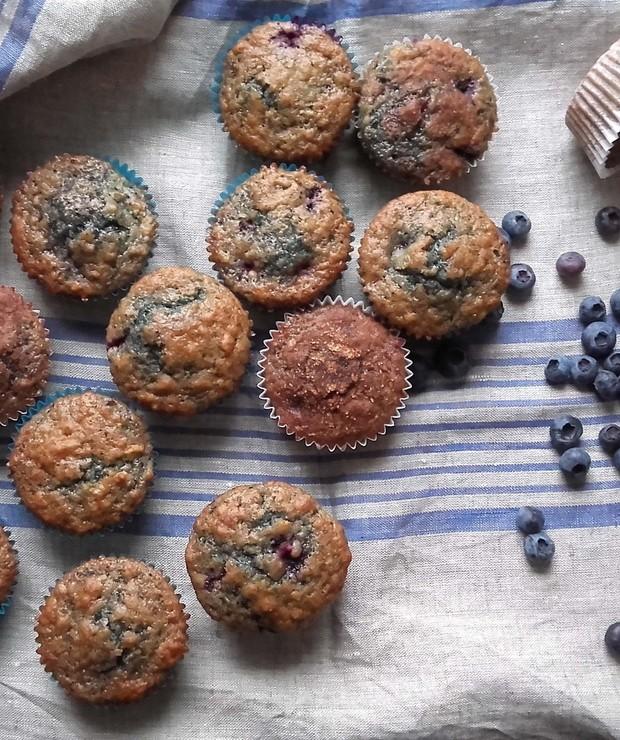 Błękitne ciacha, czyli borówkowe muffiny z cynamonową skorupką - Muffiny i babeczki