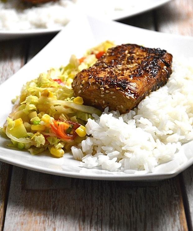 Kurczak Dak Bulgogi z surówką i ryżem - Drób