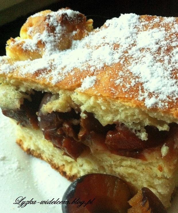 Ciasto drożdżowe ze śliwką węgierką, cynamonem i imbirem - Drożdżowe