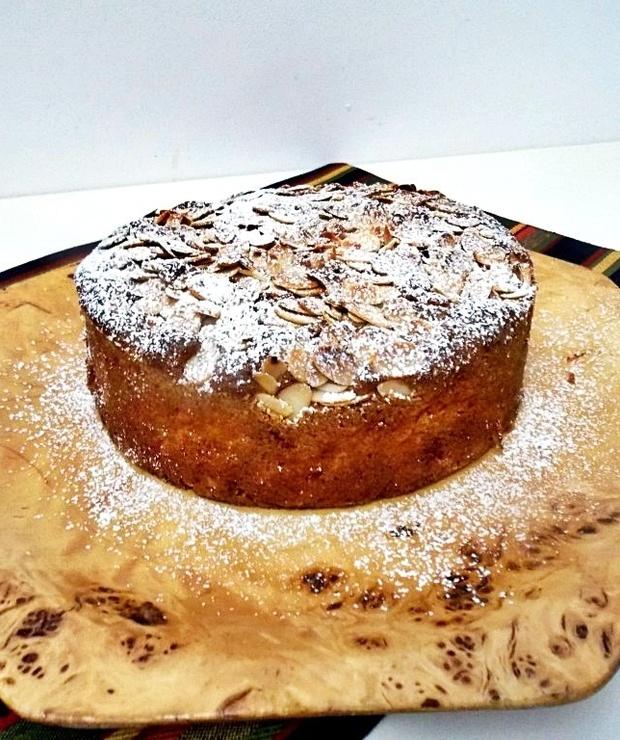 ciasto migdałowe z gruszkami i imbirem - Ucierane