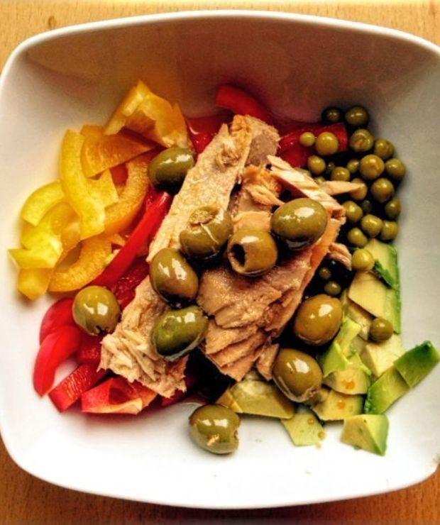Szybka i prosta sałatka z tuńczykiem - Jarskie