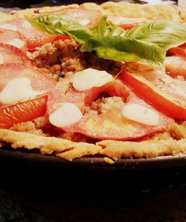 Tarta z mięsem mielonym i dużą ilością świeżych ziół - Tarty wytrawne