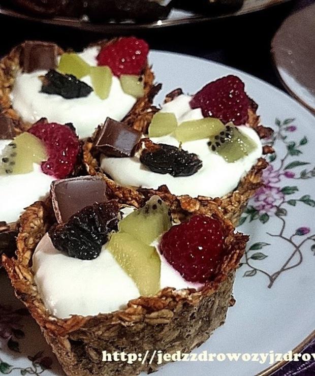 Babeczki bananowo-owsiane z masą jogurtową - Muffiny i babeczki