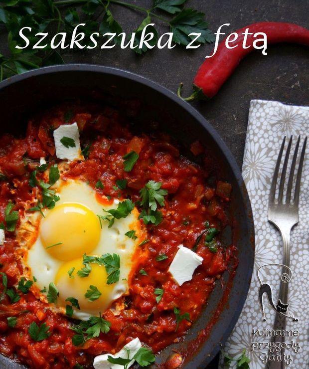 Szakszuka z fetą i olejem rzepakowym - Jajka i omlety