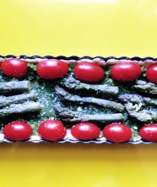 Bezglutenowa tarta ze szparagami i pesto - Tarty wytrawne