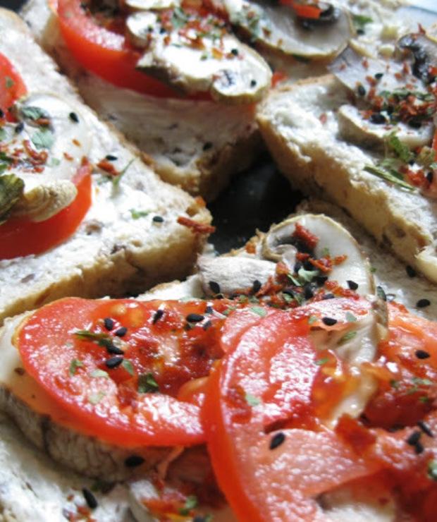 Kanapki z grillowanymi pieczarkami - Kanapki i tosty