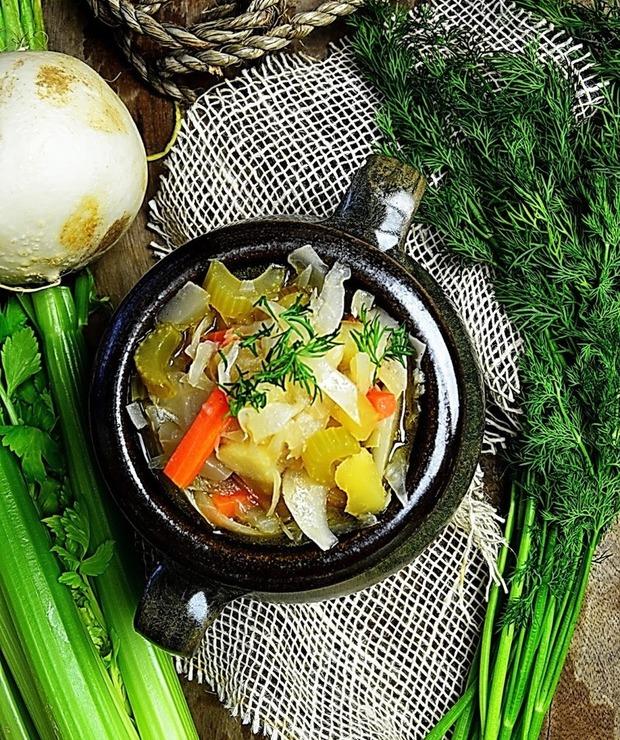 Kapuśniak ze świeżej kapusty po rosyjsku - Z warzywami