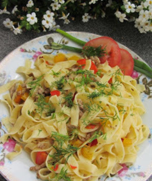 Potrawka makaronowa z papryką i mięsem mielonym - Dania z makaronu