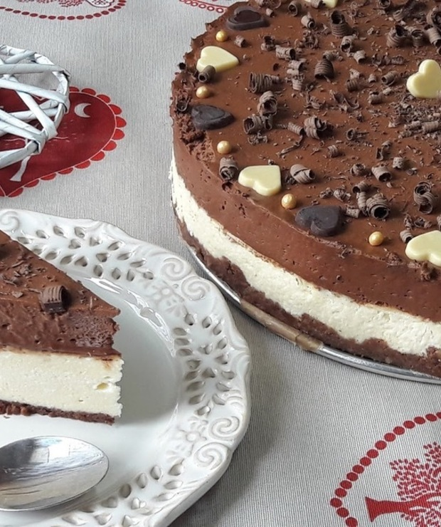 Sernik z czekoladowym musem - Serniki