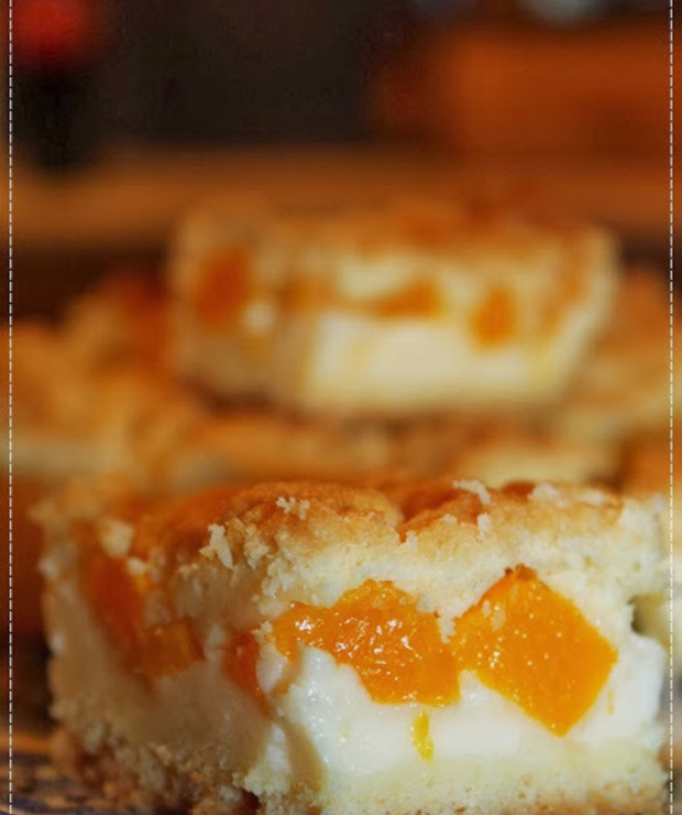 Budyniowiec - kruche ciasto z owocami - Kruche