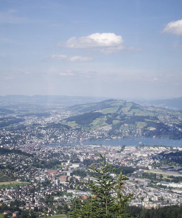 Spacer w chmurach – Pilatus – szczyt z widokiem na Lucernę - Lokale gastronomiczne