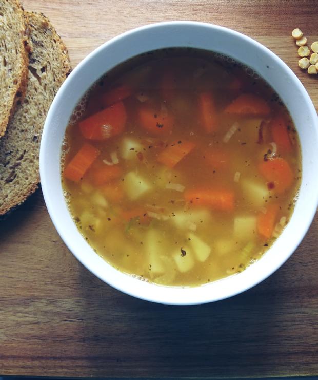 Wegańska zupa grochowa - Z warzywami