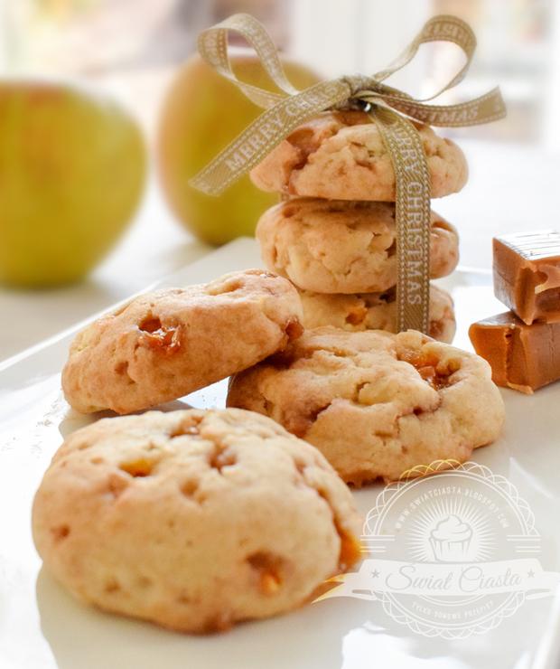 Ciasteczka z jabłkami i krówkami - Ciastka