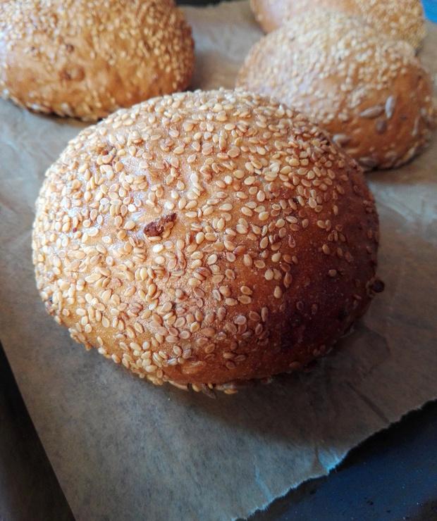 Bułki z sezamem – najlepsze do hamburgerów - Bułki