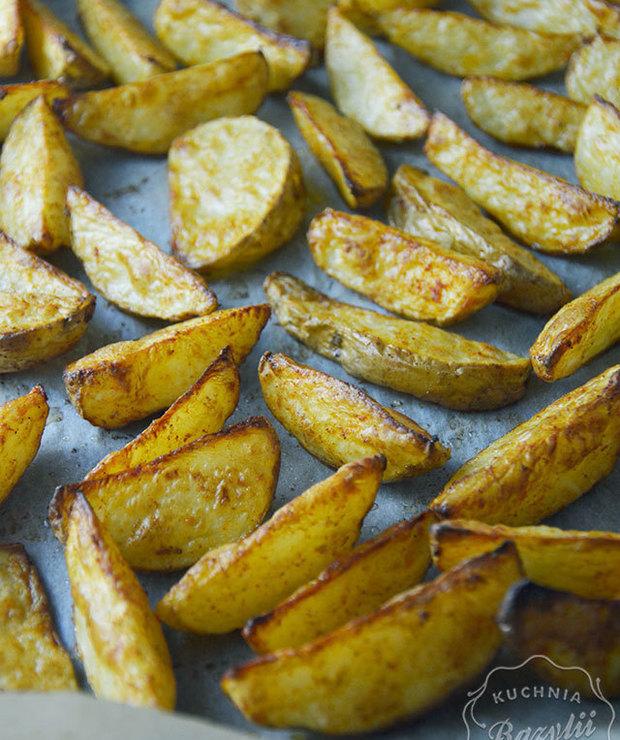 Pieczone ziemniaki łódeczki z piekarnika - Na gorąco