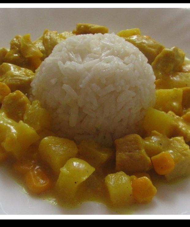 Kurczak z Curry i ananasem - Drób